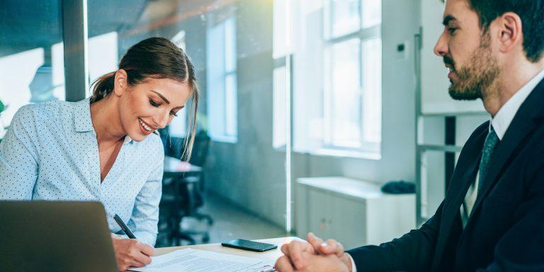 Plus rapide, plus efficace, plus transparente : la digitalisation a de nombreux avantages lorsqu'elle est appliquée aux cabinets d'avocats.