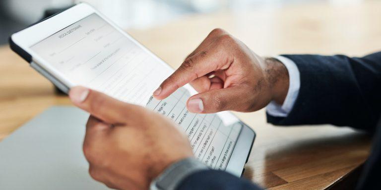 Les logiciels de génération de documents réutilisent les informations données via un questionnaire.